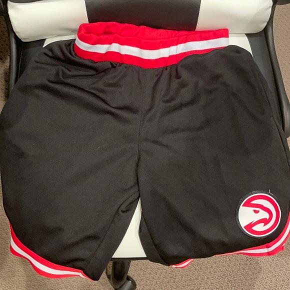 Size Medium Atalanta Hawks Shorts